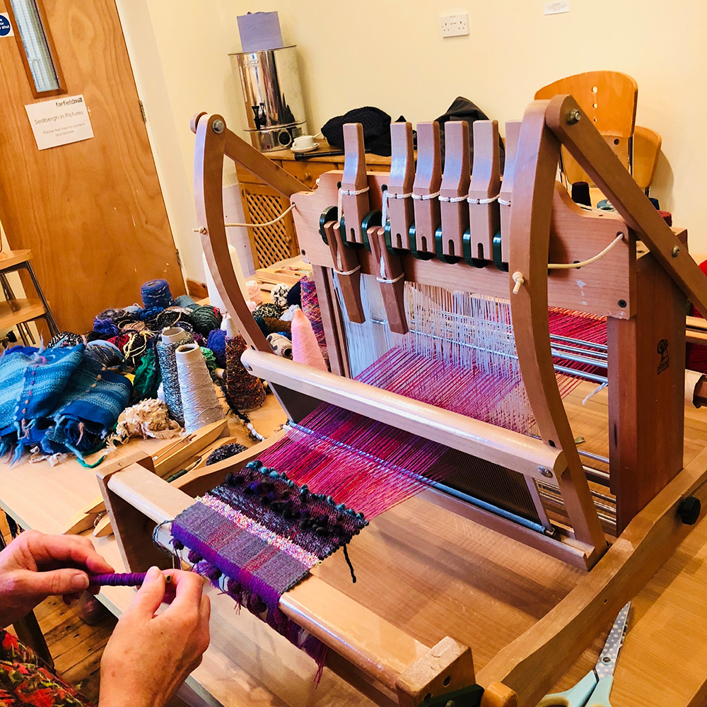 Weaving on the Loom - Scarf day workshop