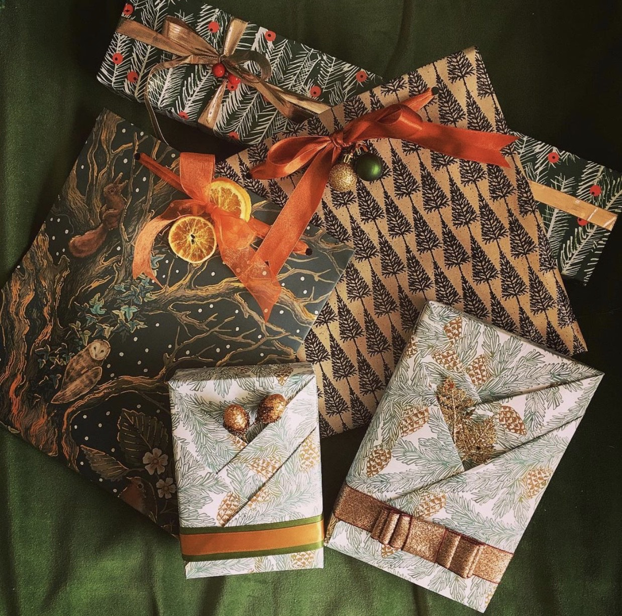 Learn how to Christmas Gift-wrap like a Professional
